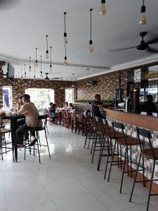 tempat nongkrong terbaru di Medan, Ruangan indoor Massa Kok Tung Cemara Asri