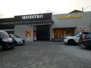 tempat nongkrong terbaru di Medan, Tampak depan Ministro Cafe