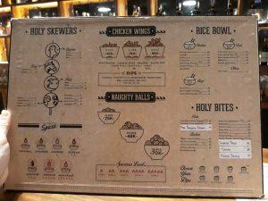 tempat nongkrong terbaru di Medan, Menu makanan Holywings Medan