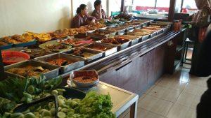 tempat makan enak di bawah 100 ribu di Bogor, aneka menu di RM Bunut Sari