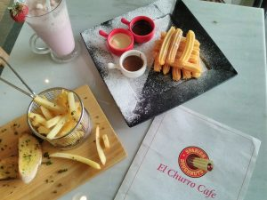 makan enak di bawah 100 ribu di Surabaya | Churros