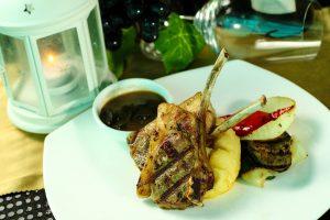 restoran romantis di Kota Medan, The Edge Swissbell Hotel