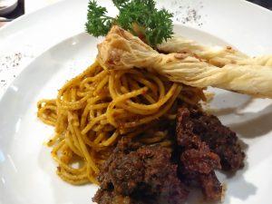 makan enak di bawah 100 ribu di Surabaya | Pasta Rendang
