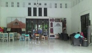 cafe unik di Surabaya | Herlijk Gelato