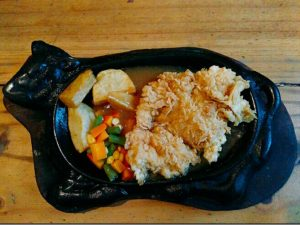 tempat nongkrong asik dan murah di Surabaya, Chicken Crispy Steak Kampoeng Steak