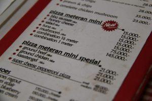 tempat makan enak di bawah 100 ribu di Bogor | Harga Pizza Meteran