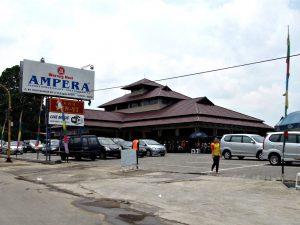 restoran keluarga di Bogor | Warung Nasi Ampera. Sumber:indoplaces.com