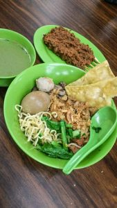 Mie Ayam H.Mahmud S siap disantap, mie ayam legendaris di Medan