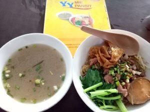 Menu lengkap Mie Pansit YY, mie pansit legendaris di Medan
