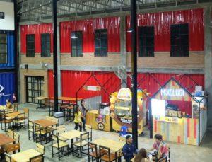 cafe dengan live music di Surabaya. Geldboom Eatery Plaza