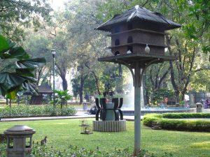 Taman Kota di Jakarta, Sangkar Burung di Taman Suropati