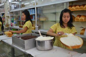 toko roti terkenal di kota Medan, Toko Roti Ganda