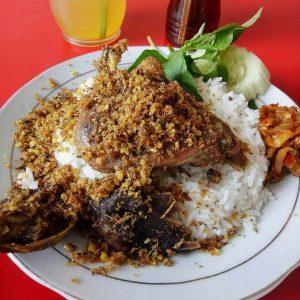 Bebek Goreng Sinjay, restoran keluarga di Surabaya