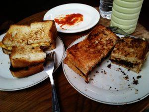 Roti Gempol, tempat makan roti panggang di Bandung