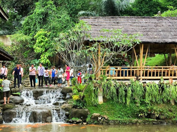 restoran Sunda di Bogor, Gurih 7 Saung Lesehan, Anak Kota