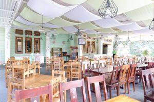 The Tree House Café Bandung, tempat nongkrong outdoor murah di Bandung