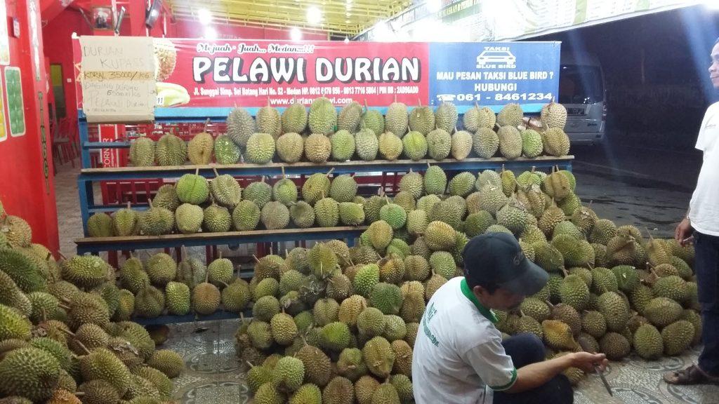 tempat makan durian enak di Medan, Pelawi Durian, Anakkota