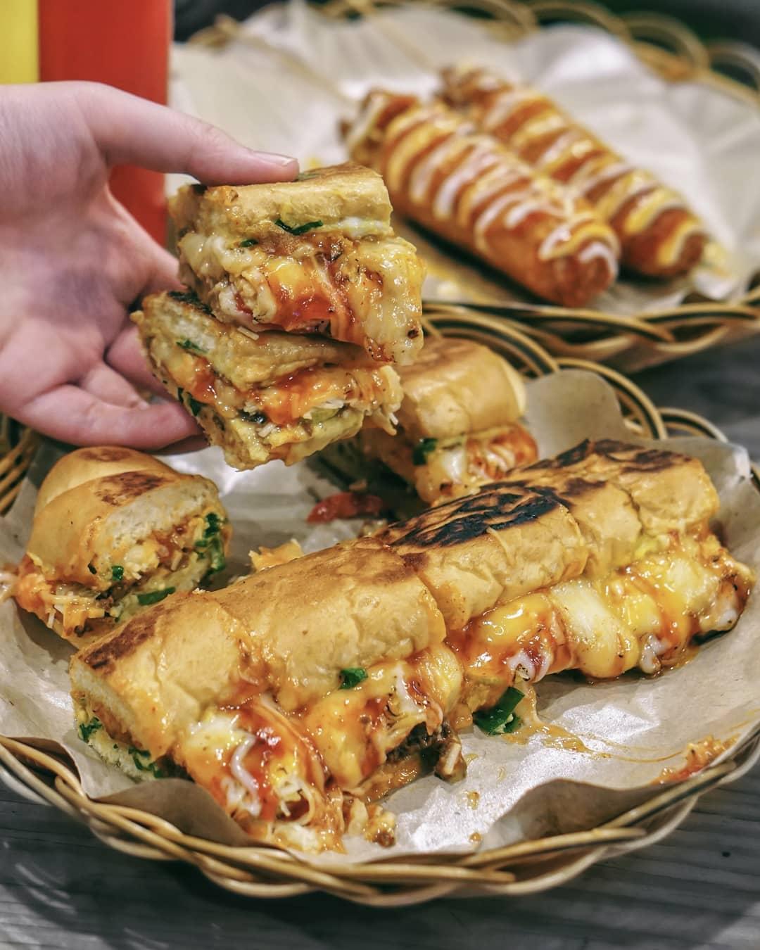 roti john di Jakarta, Roti John Indo, Anak Kota