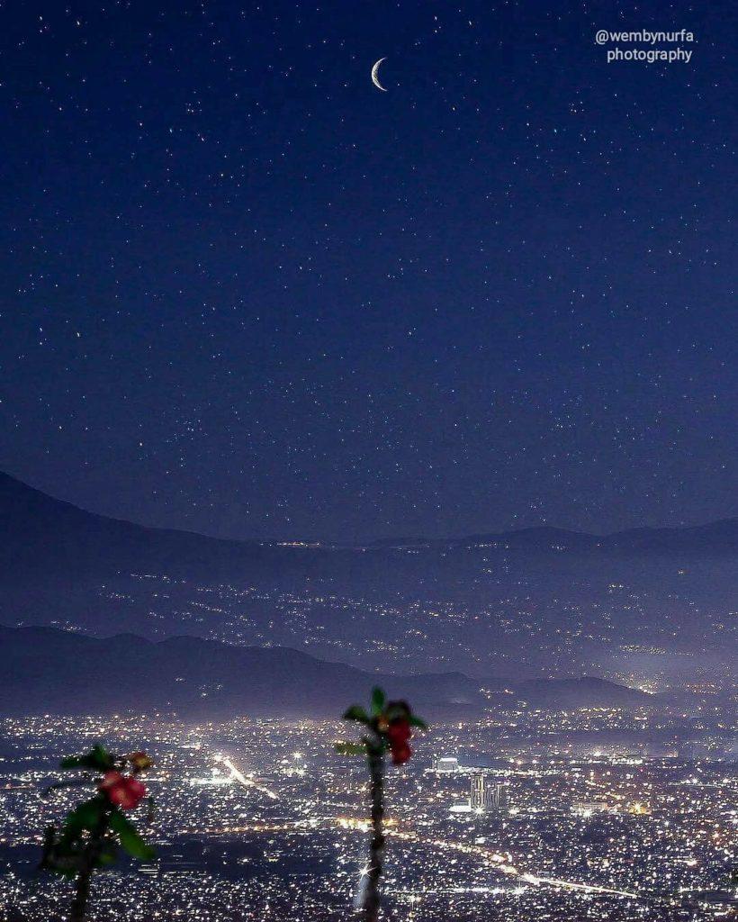 tahun baru di Bandung, Bukit Moko, Anak Kota