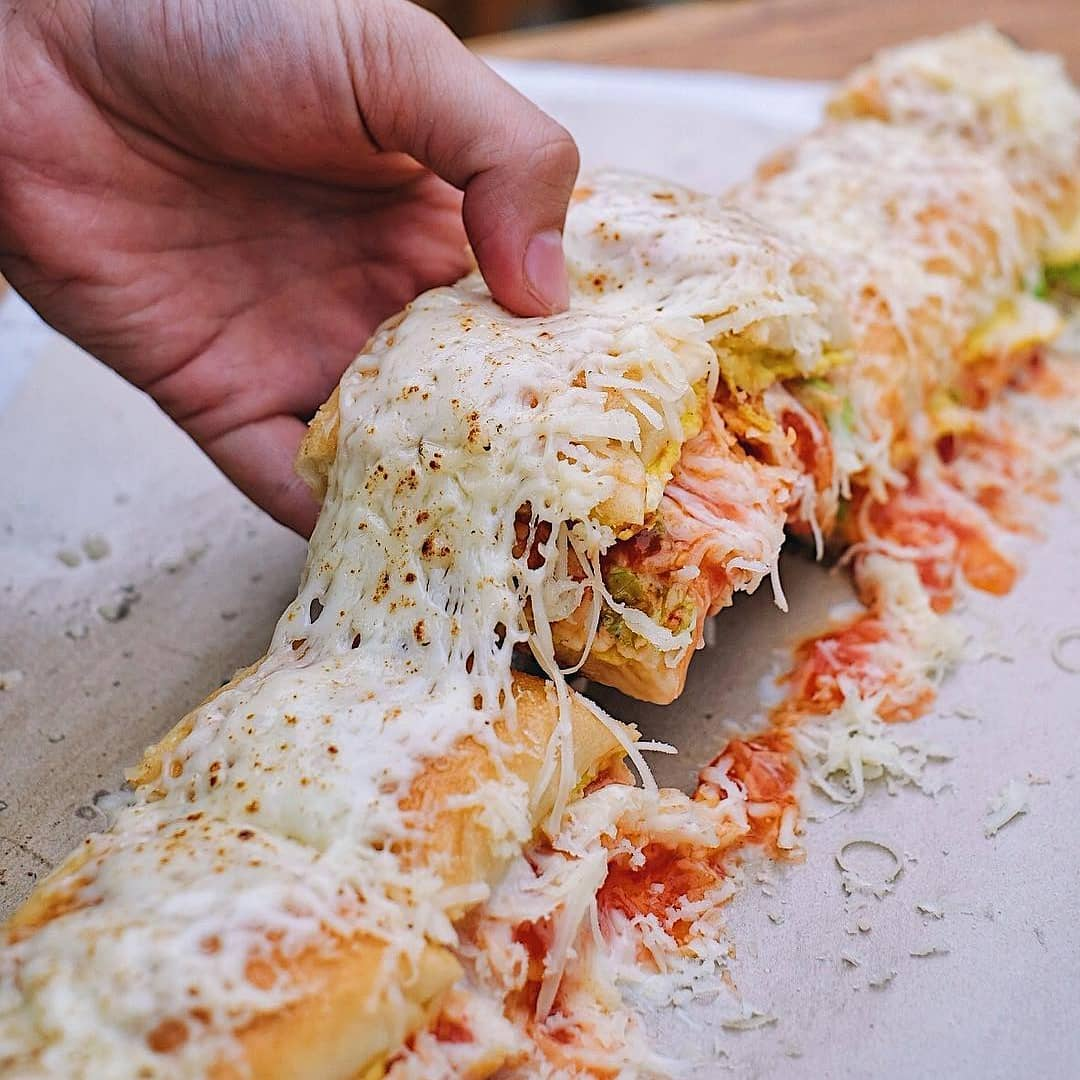 roti john di Jakarta, Roti John Baba Aliong, Anak Kota