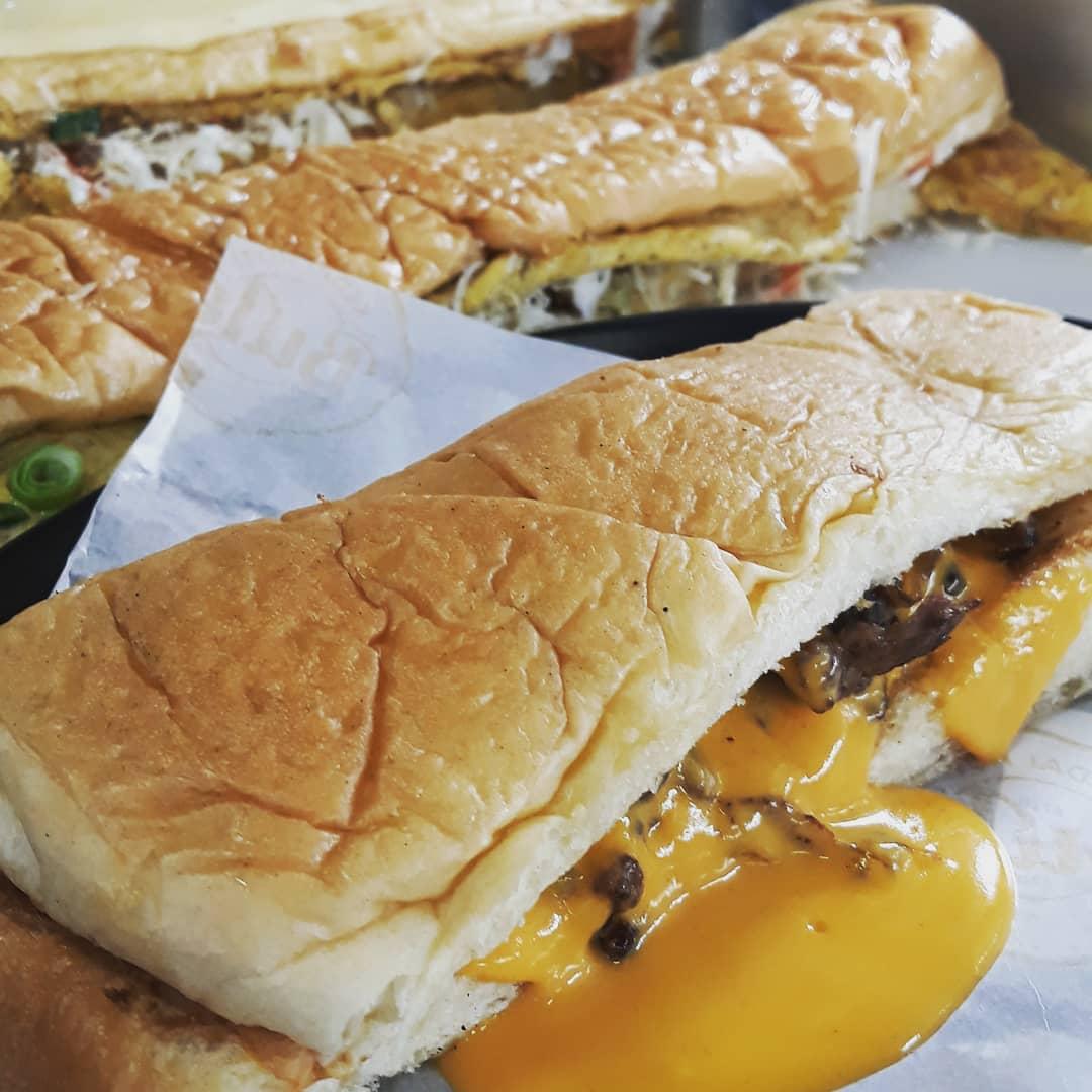 roti john di Jakarta, Kedai Roti Bule, Anak Kota