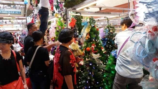 pernak pernik Natal, Mangga Dua, Anak Kota