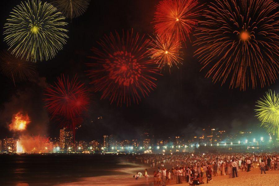 pesta tahun baru di Kuta, kota bali, anakkota