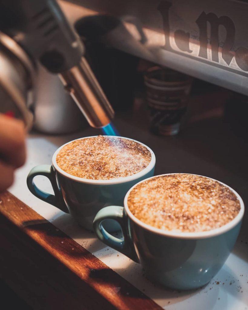 tempat ngopi di Solo, Kayu Manis Coffee, Anak Kota