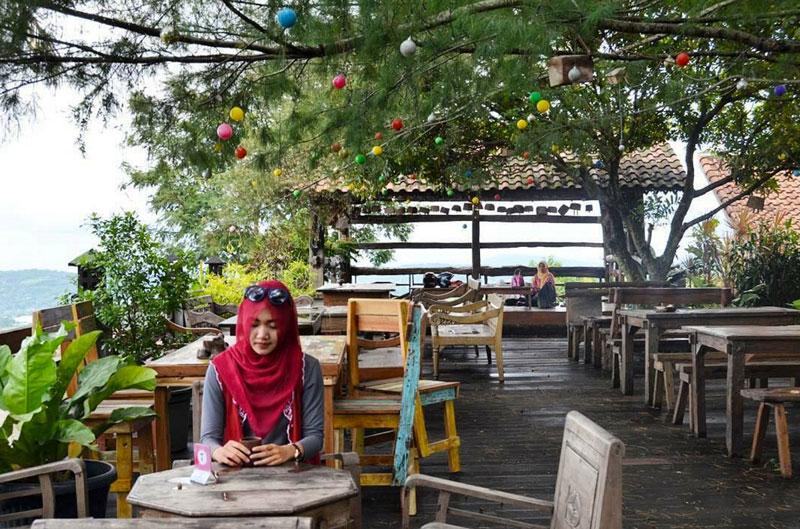 restoran di Semarang, Joglo Resto and Gallery, Anak Kota