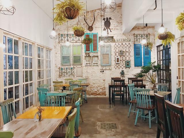 cafe unik kebun bunga, Onni House, Anak Kota