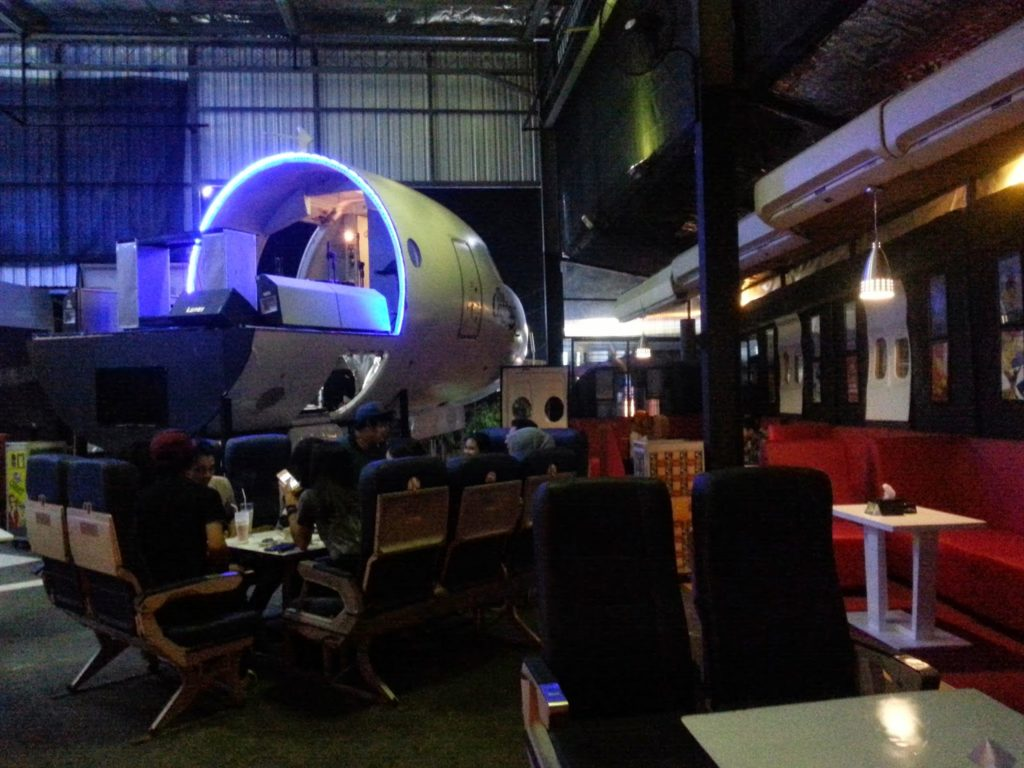 The Captain Urban Lounge, cafe instagramable di jogja, anakkota