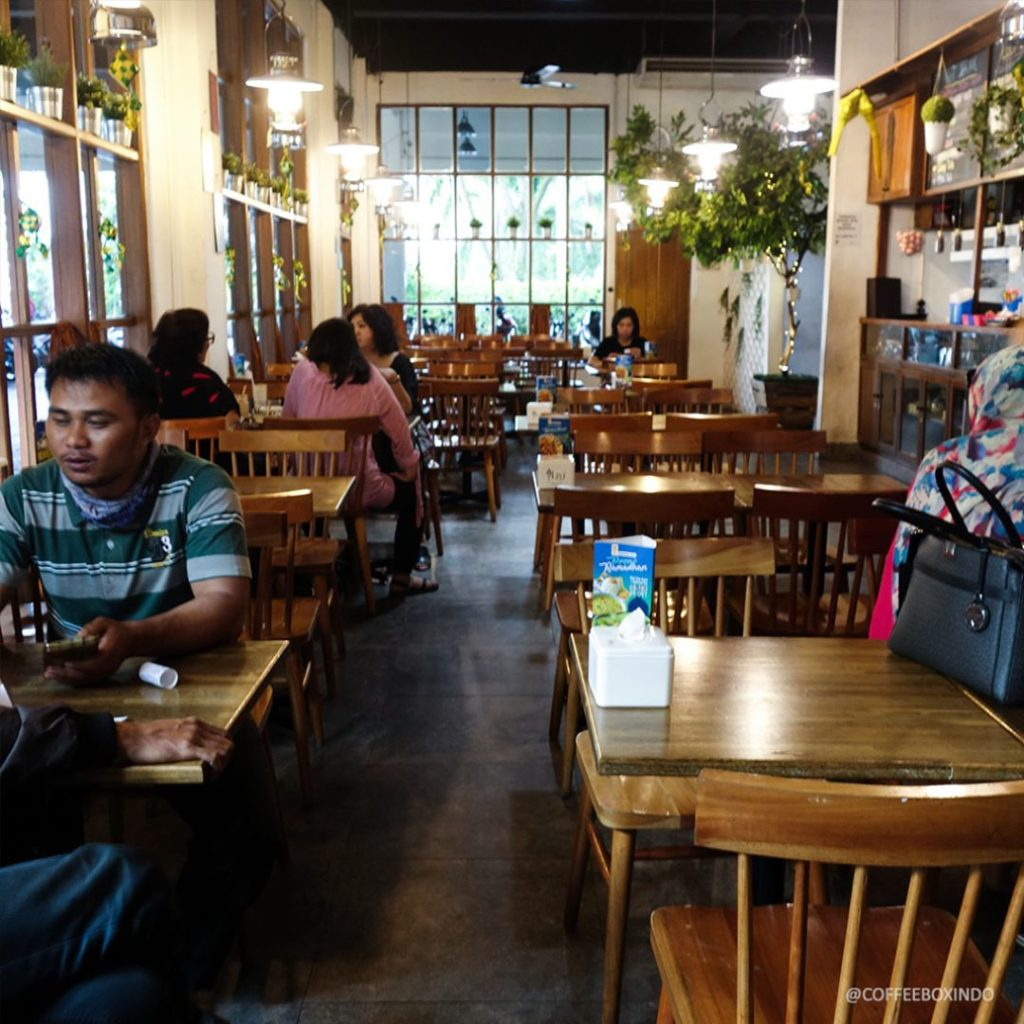 tempat nongkrong di Medan, Coffee Box, Anakkota