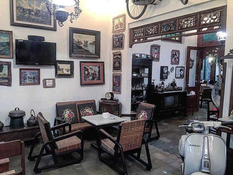 tempat nongkrong di Surabaya, Grandfather Coffee Shop, anakkota.com