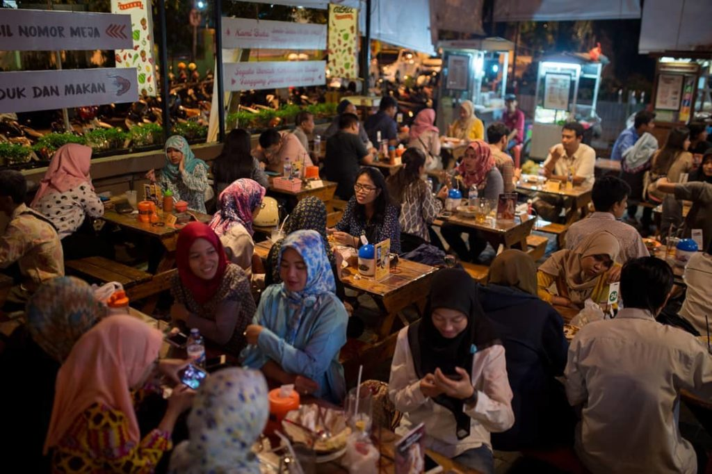 Aiola Eatery, Anak Kota