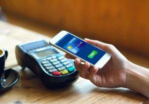 Transaksi Cashless, anakkota.com. Sumber: glints.com